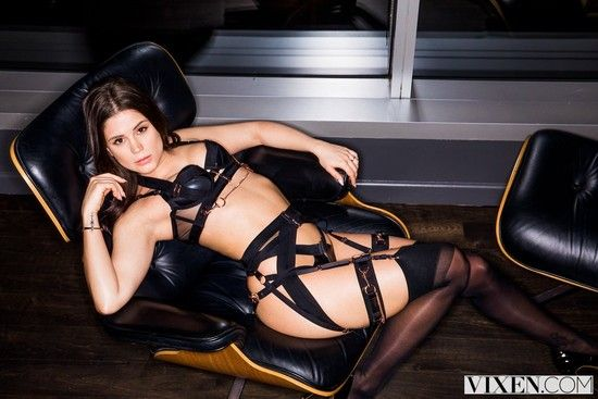 VIXEN – Little Caprice – Little Angel