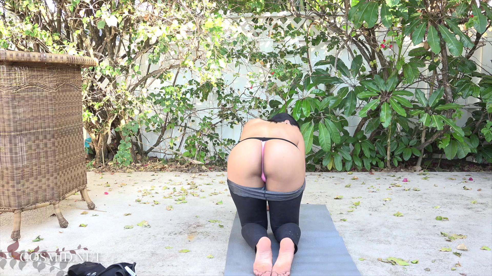 Cassie Taylor Yoga Video